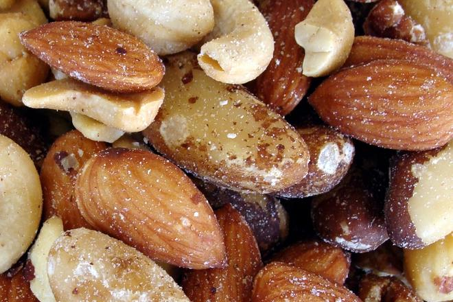 16 февруари е националният ден на бадема
