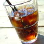 Жените, които консумират безалкохолни напитки увеличават с 80% риска си от инсулт