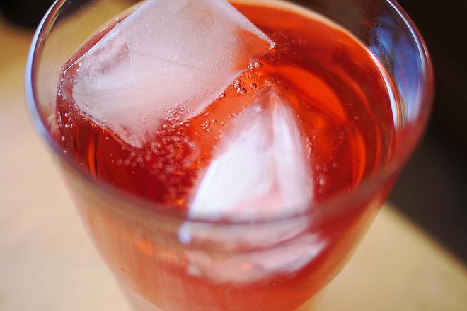 6 причини да спрете да пиете газирани напитки