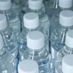 Връзката между пластмасовите бутилки и нашето здраве
