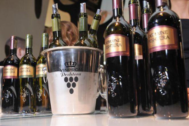 """Най-добрите български и чужди винопроизводители се състезават в """"Нощта на Златния ритон"""""""