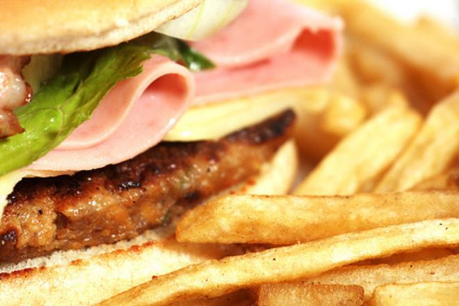 Бързата храна причинява депресия
