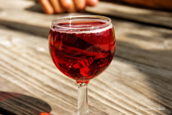 Червеното вино спомага за зрението