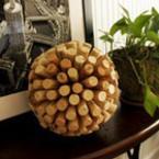 Да си направим декоративна топка от коркови тапи