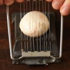 За какво още може да ползваме резачката за яйца