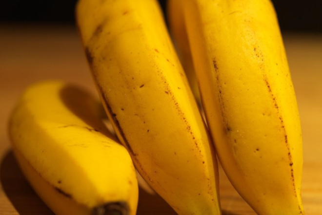 Банани срещу напукани пети