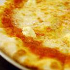 Днес е националният ден на Пицата със сирене