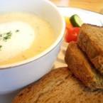 Картофена крем супа със сирене