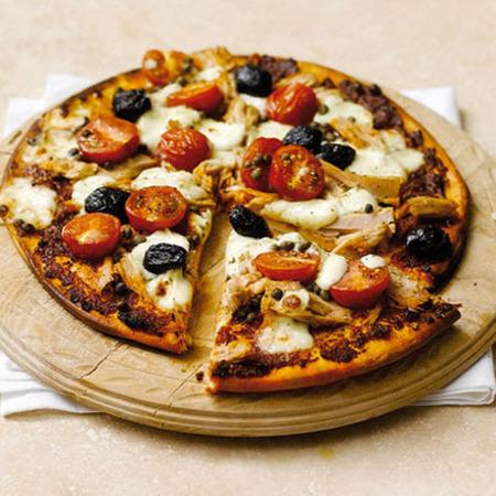 Large pitsa s riba ton
