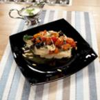 Хрупкава риба с домати и маслини