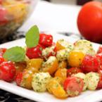 Салата с чери домати и моцарела