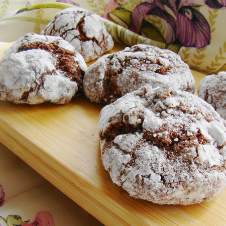 Large napukani shokoladovi biskviti