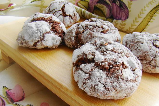 Напукани шоколадови бисквити