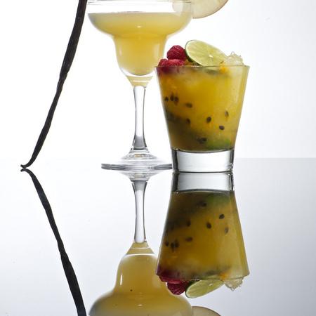 Large kokteyl plodovo izkushenie