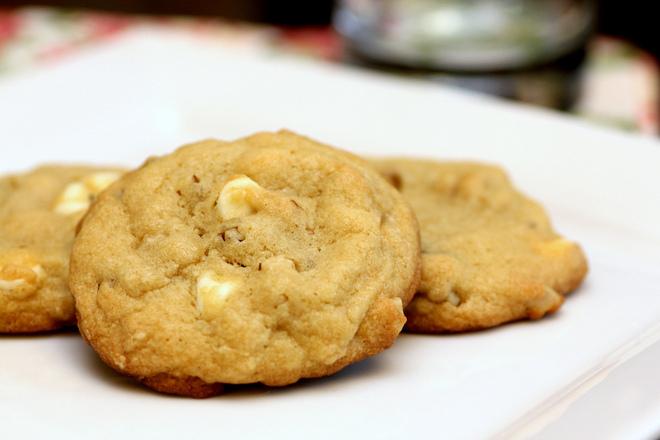Бисквитки с бял шоколад