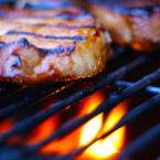 Свински пържоли на барбекю
