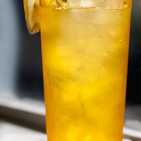 Large kokteyl portokalov dzhin