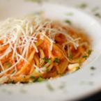 Спагети с домати, чили и риба тон