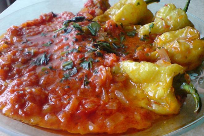 Чушки с доматен сос