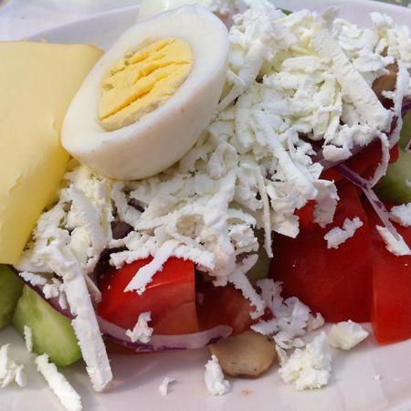 Large ovcharska salata