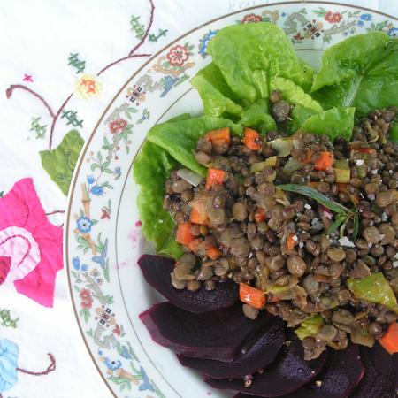 Large salata s leshta