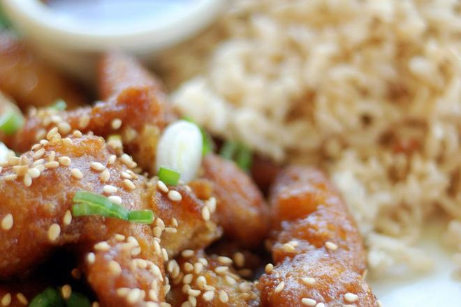 Пилешки хапки със сусам