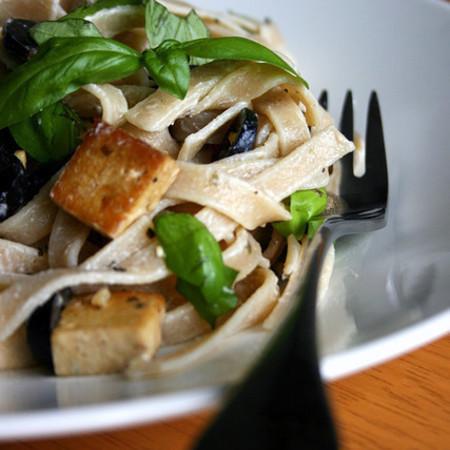 Large taliateli sas sirene tofu