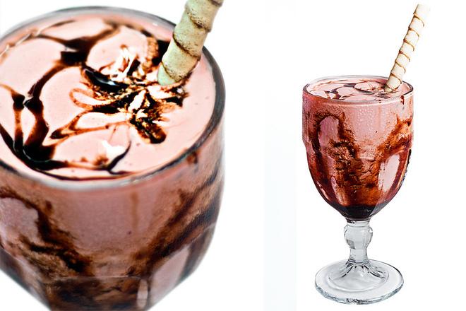 Шоколадово-ягодов шейк