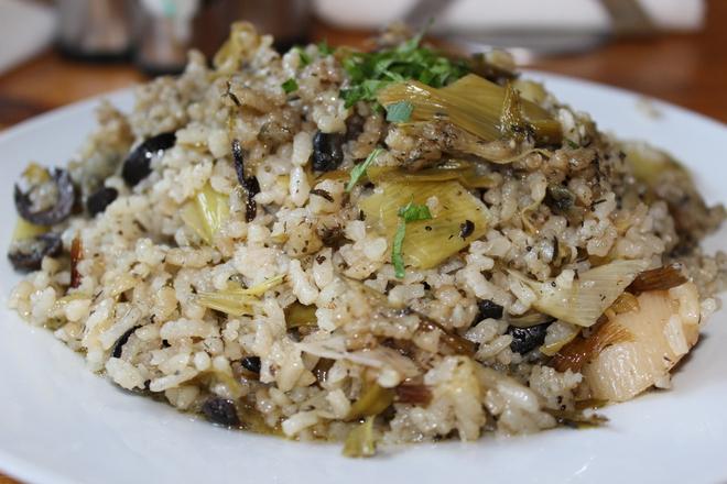 Ориз с праз и маслини на фурна