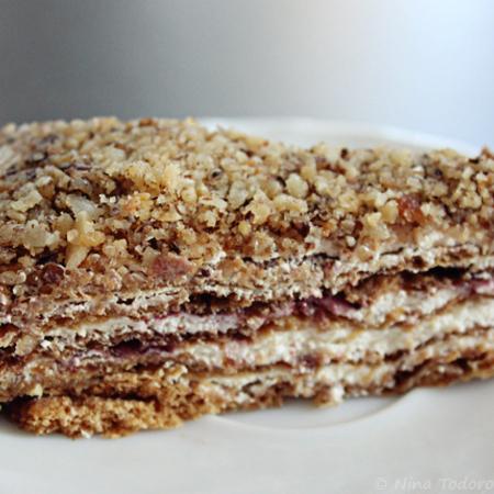 Large frenska selska torta s borovinki