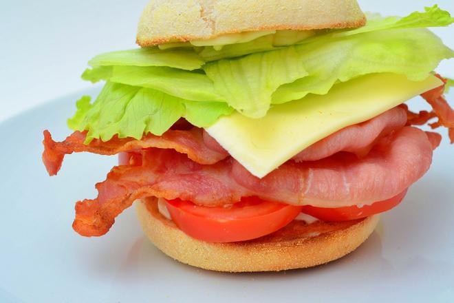 Сандвич с царевична питка