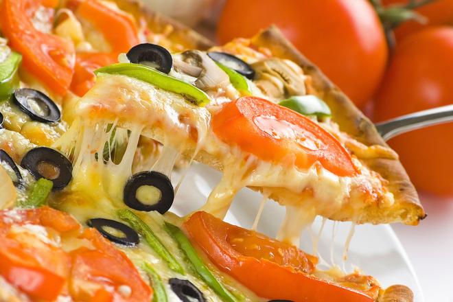 Пица с гъби и маслини