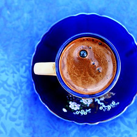 Large tursko kafe na dzhezve