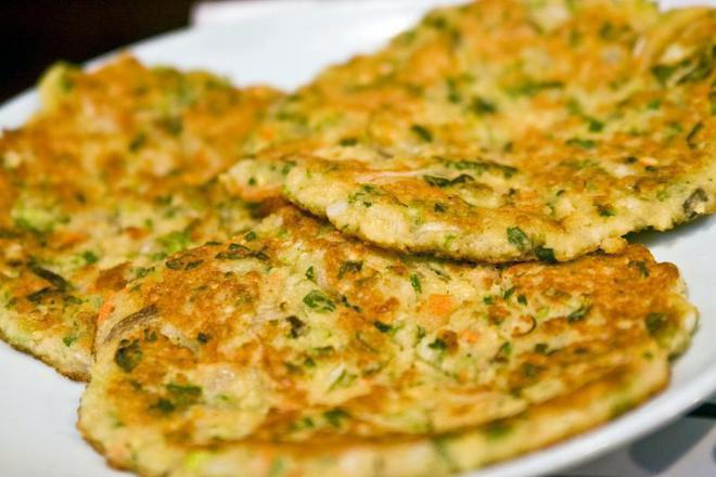 Картофени кюфтета с пресен лук