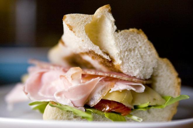 Сандвич с шунка