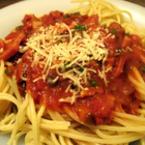 Спагети със зеленчуков сос