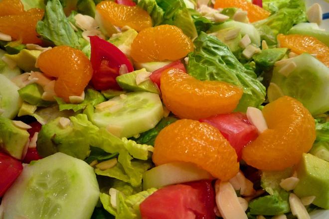 Свежа салата с портокал