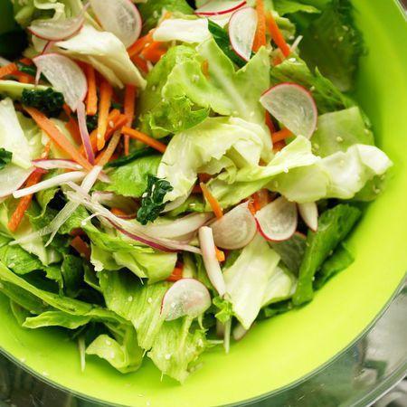 Large zelena salata s morkovi