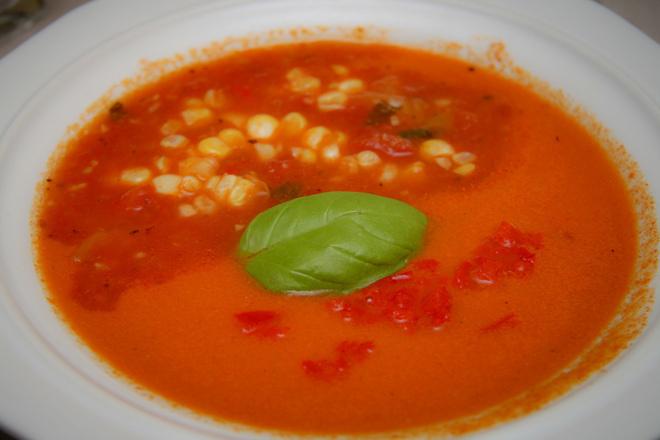 Доматена крем супа с царевица