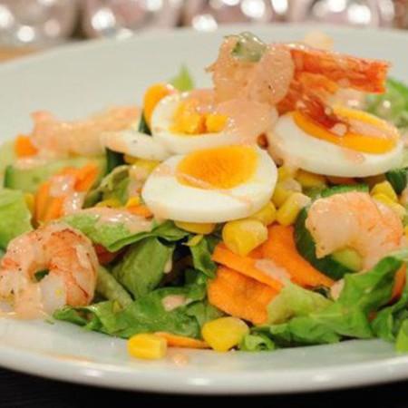 Large redena salata sas skaridi