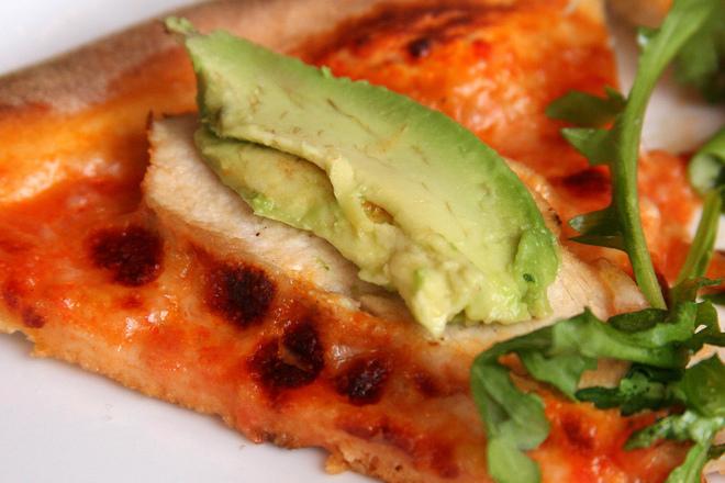 Пица с авокадо