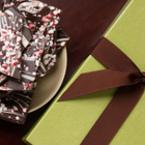 Шоколадов барк със захарни пръчици