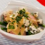 Салата от зелен фасул с бекон, синьо сирене и горчичен дресинг