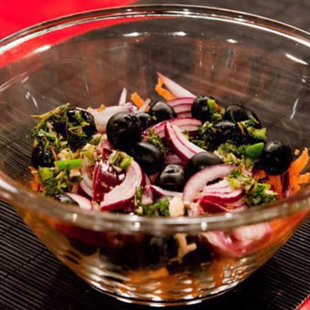 Large italianska salata s morkovi