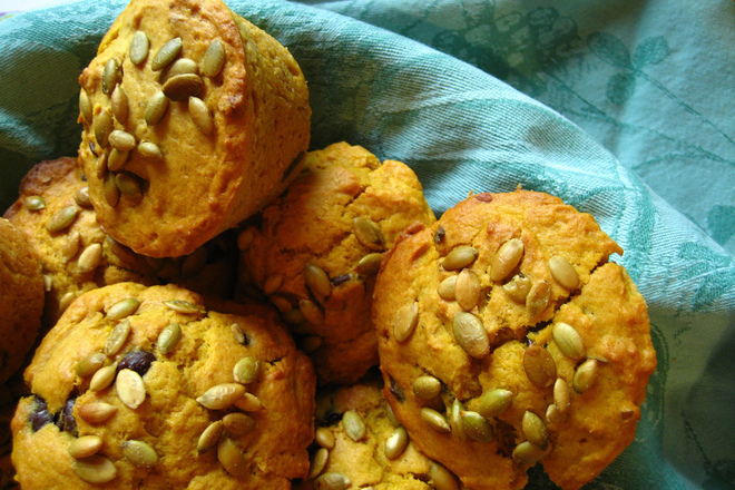 Мъфини с орехи и кедрови ядки
