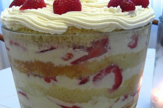 Бърза крем-торта с готови блатове