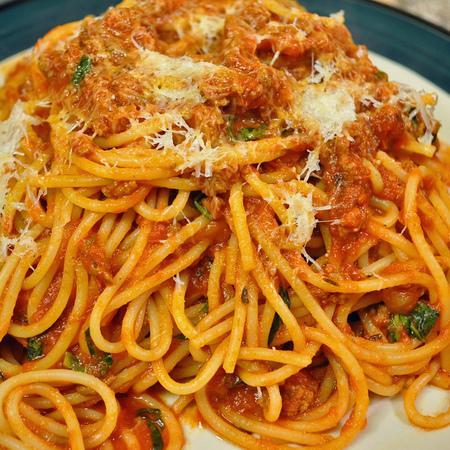 Large spageti s kayma