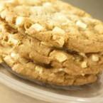Бисквити с овесени ядки и бял шоколад