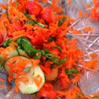 Салата от моркови с ягоди