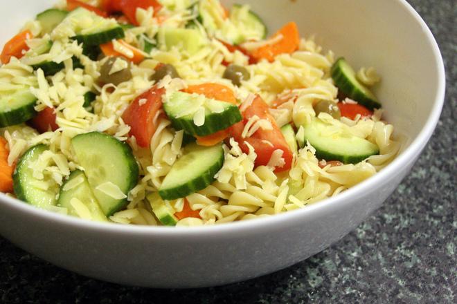 Фузили с пресни зеленчуци